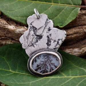 Primal Earth Dendritic Agate Necklace