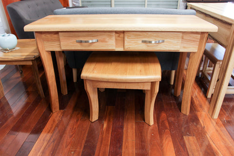 Santros Oak Hall Table