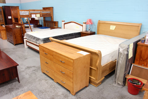Euro Oak Queen Bed