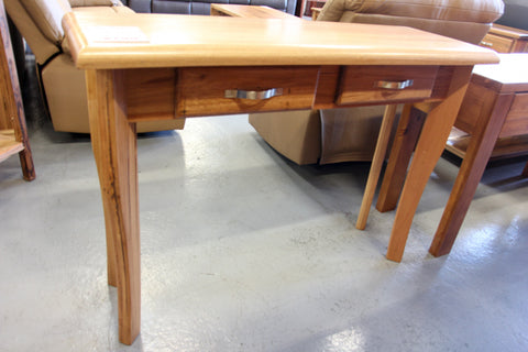 Santros Chestnut Hall Table