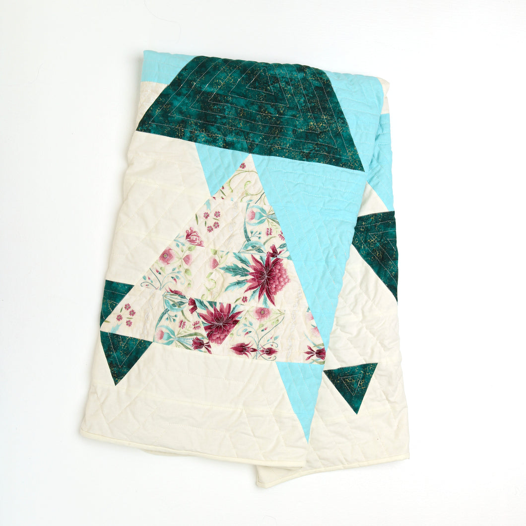 Floating Triangle Quilt