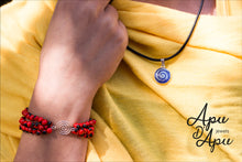 Load image into Gallery viewer, huayruro red black bracelet silver, peruvian pachamama eco friendly