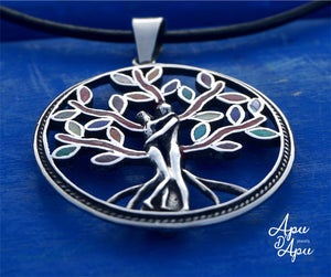 large tree of life with couple entwined