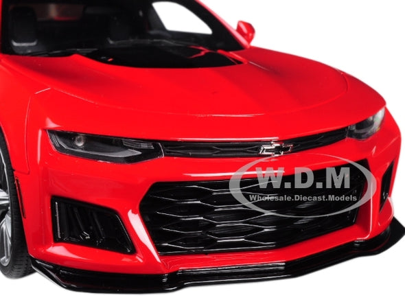 2017 Camaro ZL1 Coupe Red with Black Stripe 1/18 Diecast