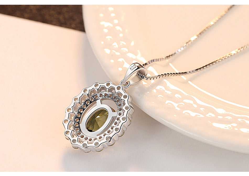 New S925 Female Necklace olive emerald fashion boutique Birthstone Necklace