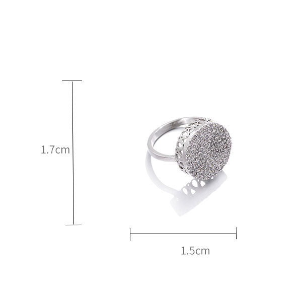 Cylindrical Three-dimensional Diamond Ring