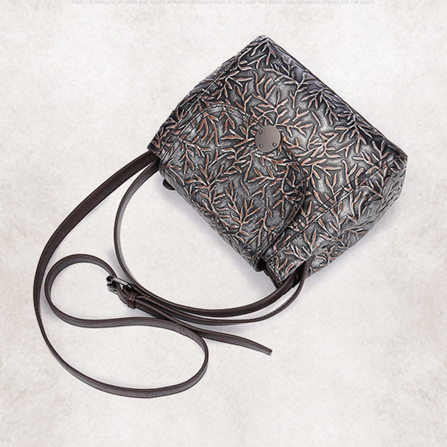 Retro Leaves Embossing Genuine Leather Handbag-Black