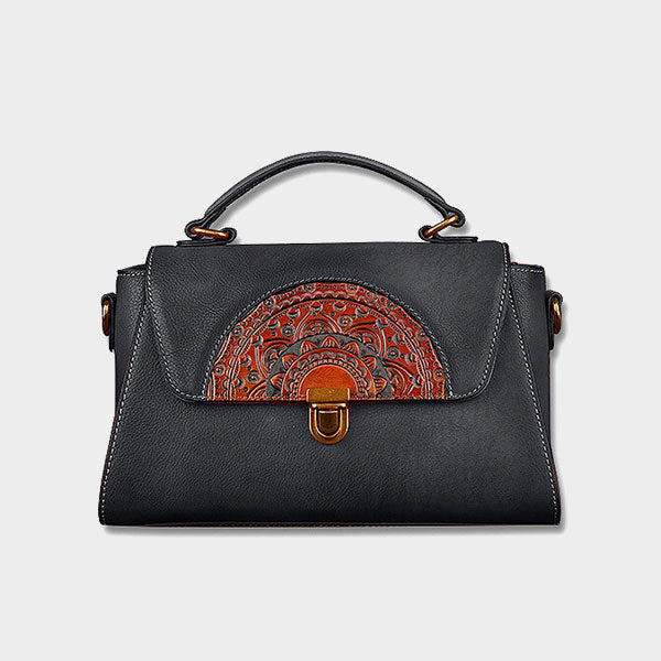 Dolorey totem leather dumpling bag-black