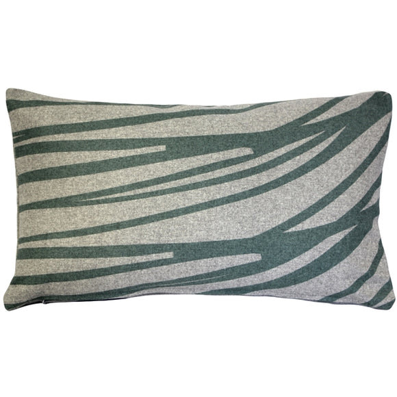 Luonto Meri Green Throw Pillow 12x19