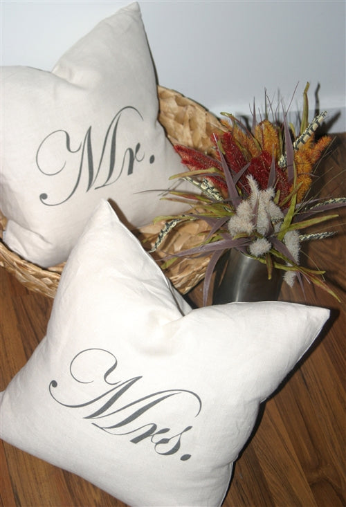 Mr and Mrs 18x18 Linen Pillow Set