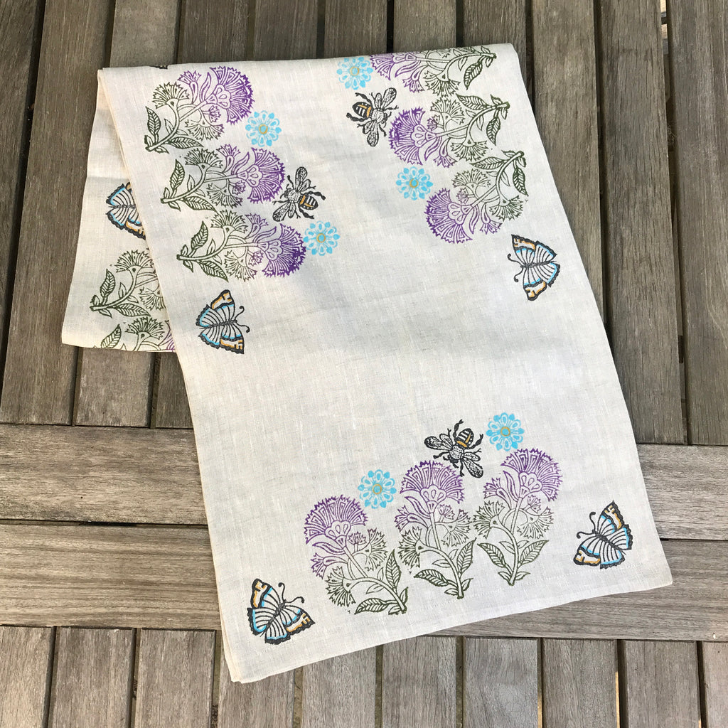 Thistle Bee Sweet Table Runner