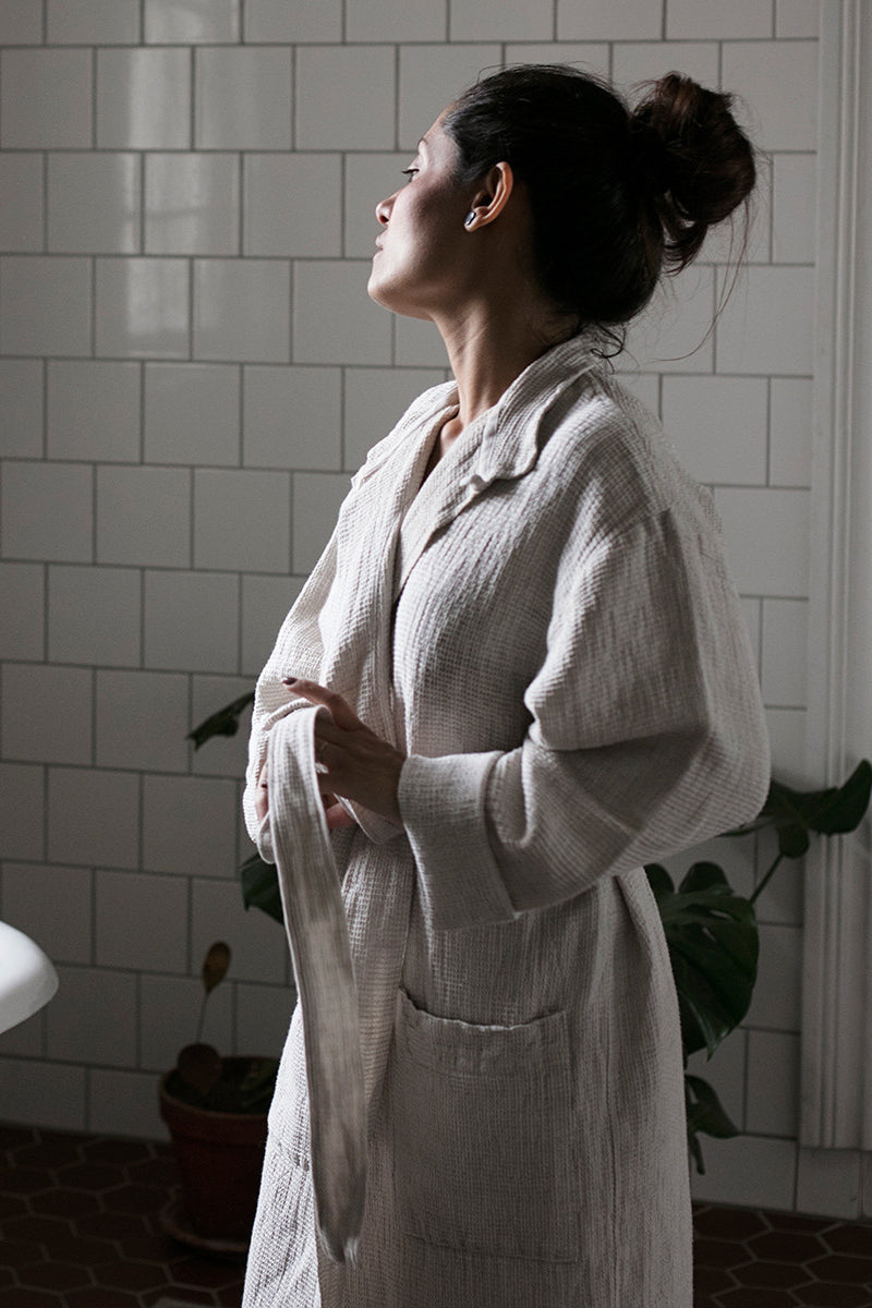 TERVA BATHROBE BLACK/LINEN