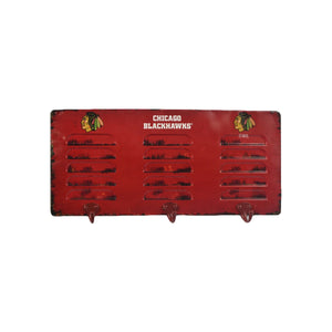 CHICAGO BLACKHAWKS 3 HOOK METAL LOCKER COAT RACK