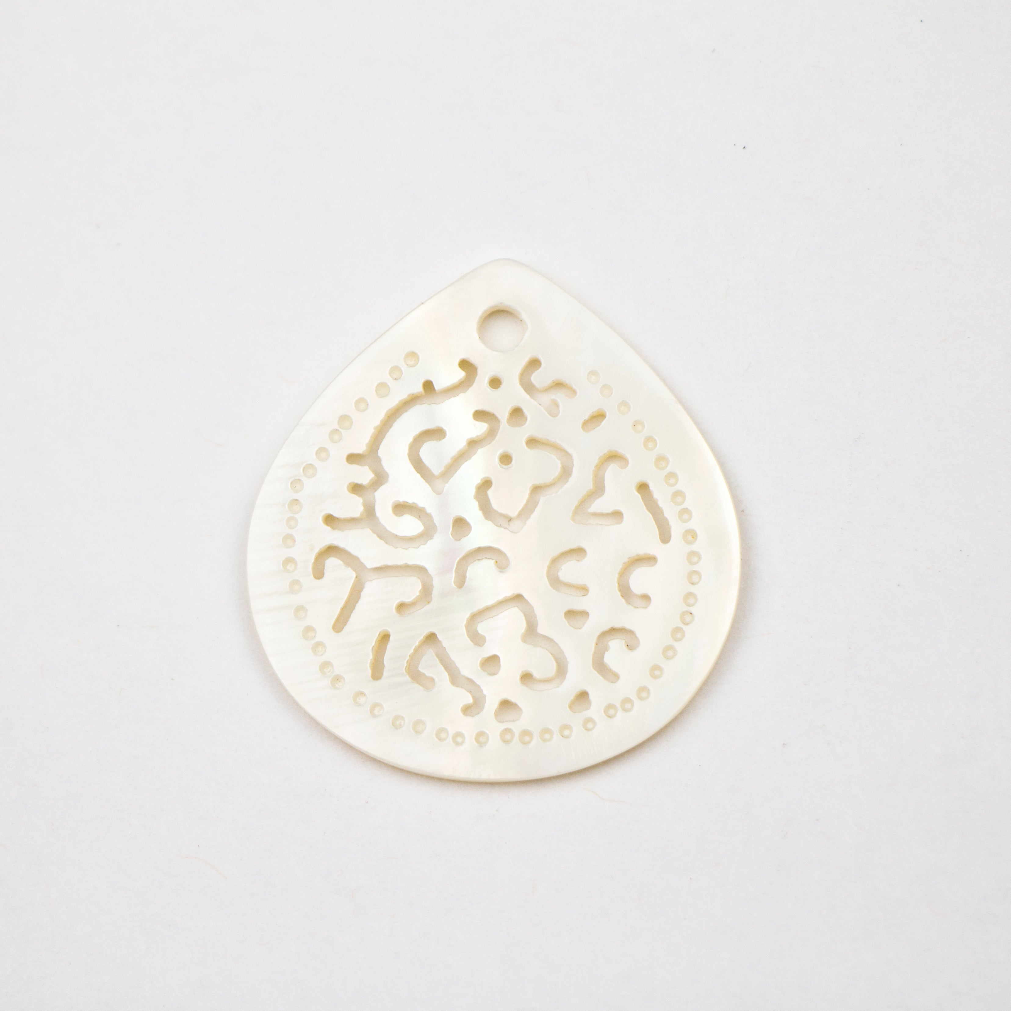 33.0mm x 33.0mm Makabibi Shell Carved Teardrop with 3mm Hole***