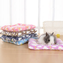 Load image into Gallery viewer, Small Animal Guinea Pig Hamster Bed House Winter Warm Squirrel Hedgehog rabbit Chinchilla Bed mat House Nest Hamster Accessories