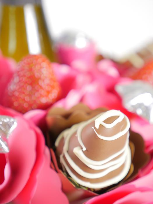 Strawberry Sparkling Chocolate Bouquet - London only