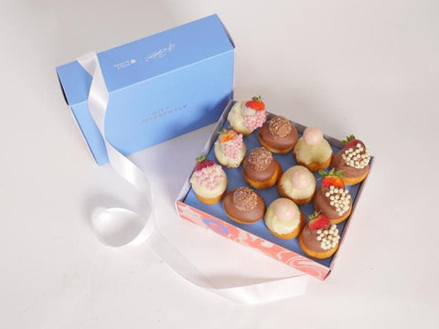 Image of Ultimate Donut and Strawberry Gift Box - London only