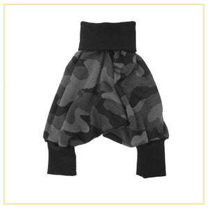 unisex kids harems pants in green camo print