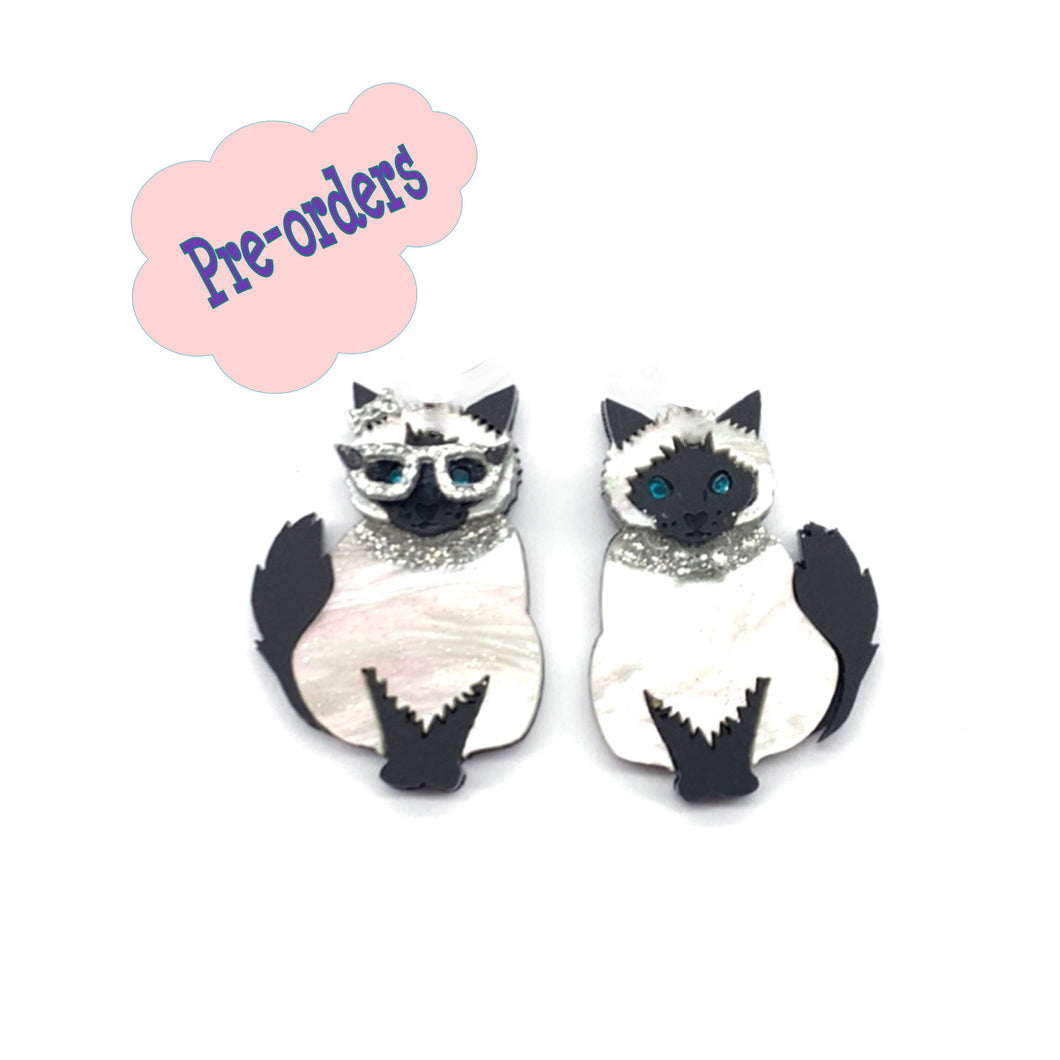 Glamour Cats brooch