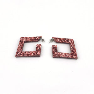 POMEGRANATE GLITTER AND WHITE PEARL Squoops our Square Reversible Hoops