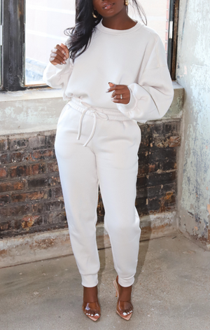 So Chic Sweatpants Set (Cream/Off White)