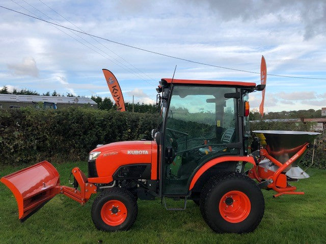 Kubota B2350 compact tractor, C/W Cab, Snow plough and Salt spreader Ex Show
