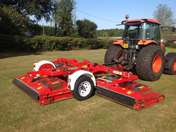 Trimax  Pegasus Batwing wide-area roller mower, Trimax 493 S3  Batwing mower