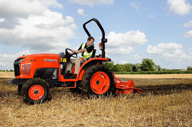 Kubota STW37 tractor FOR SALE-Ex Show  Kubota STW 37 Series FOR SALE  Kubota STW37 FOR SALE