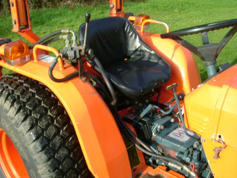 Used Kubota B8200 Compact Tractor for sale — Hughie Willett
