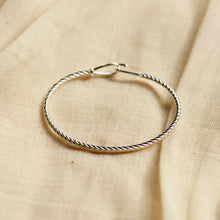 Load image into Gallery viewer, Cece Silver Plated Twist Bracelet