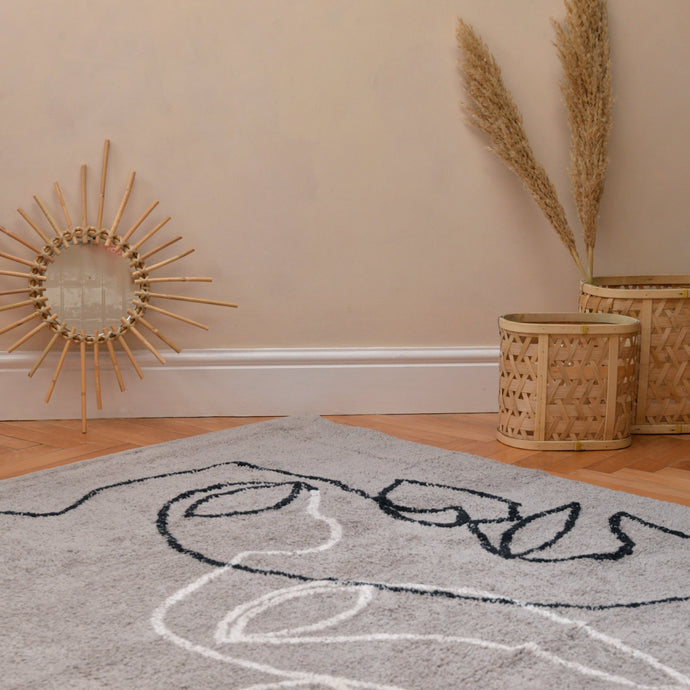 Visage Two Shaggy Rug in Grey with Natural / Black in Organic Cotton 140x200
