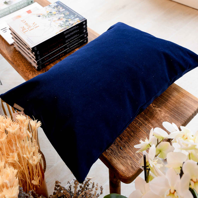 hubsch-cushion-with-filler-blue-velvet-mon-pote