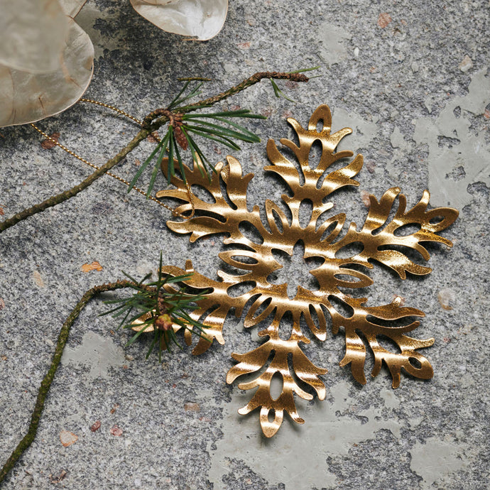 Tin Plate Ornament Snow Flower in Antique Gold