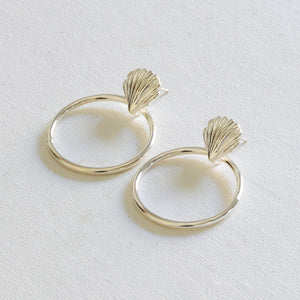 Vanessa Shell Circle Earrings in 22 k Silver Plating