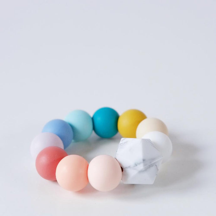 Blossom-and-Bear-Teething-Ring-Rainbow