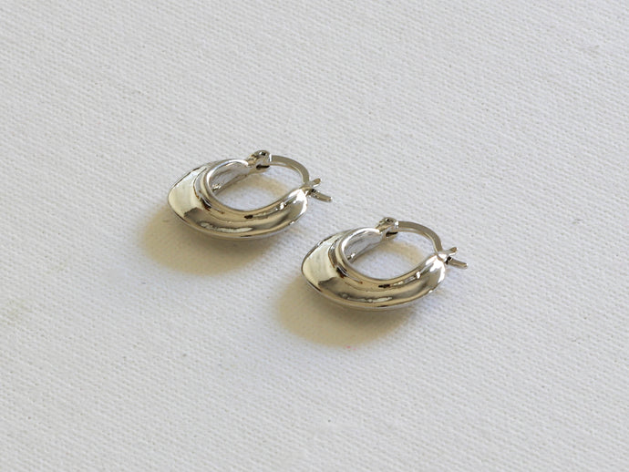 Primrose Fluid Metal Tiny Hoop Earrings