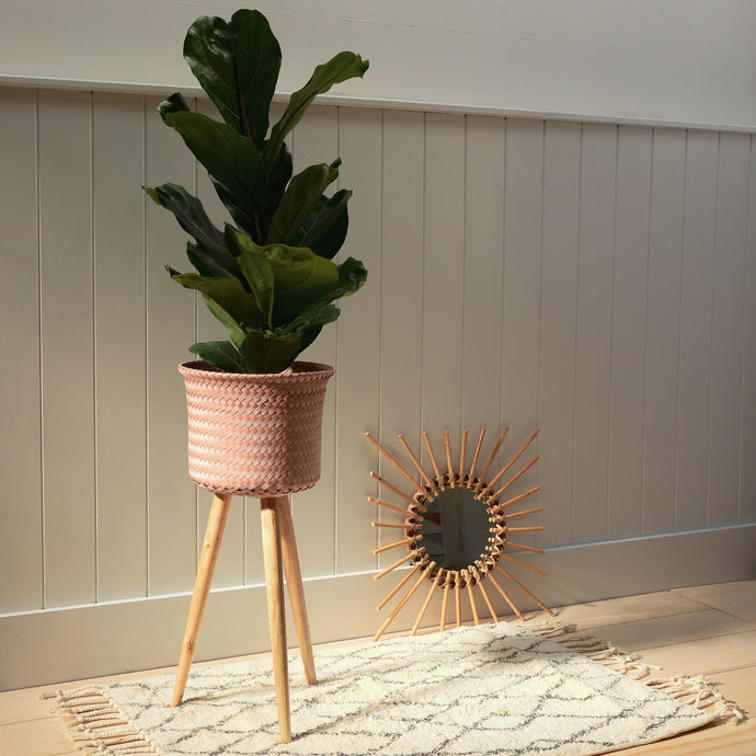 handed-by-up-high-recycled-plastic-plant-stand