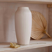 Load image into Gallery viewer, cream hano vase