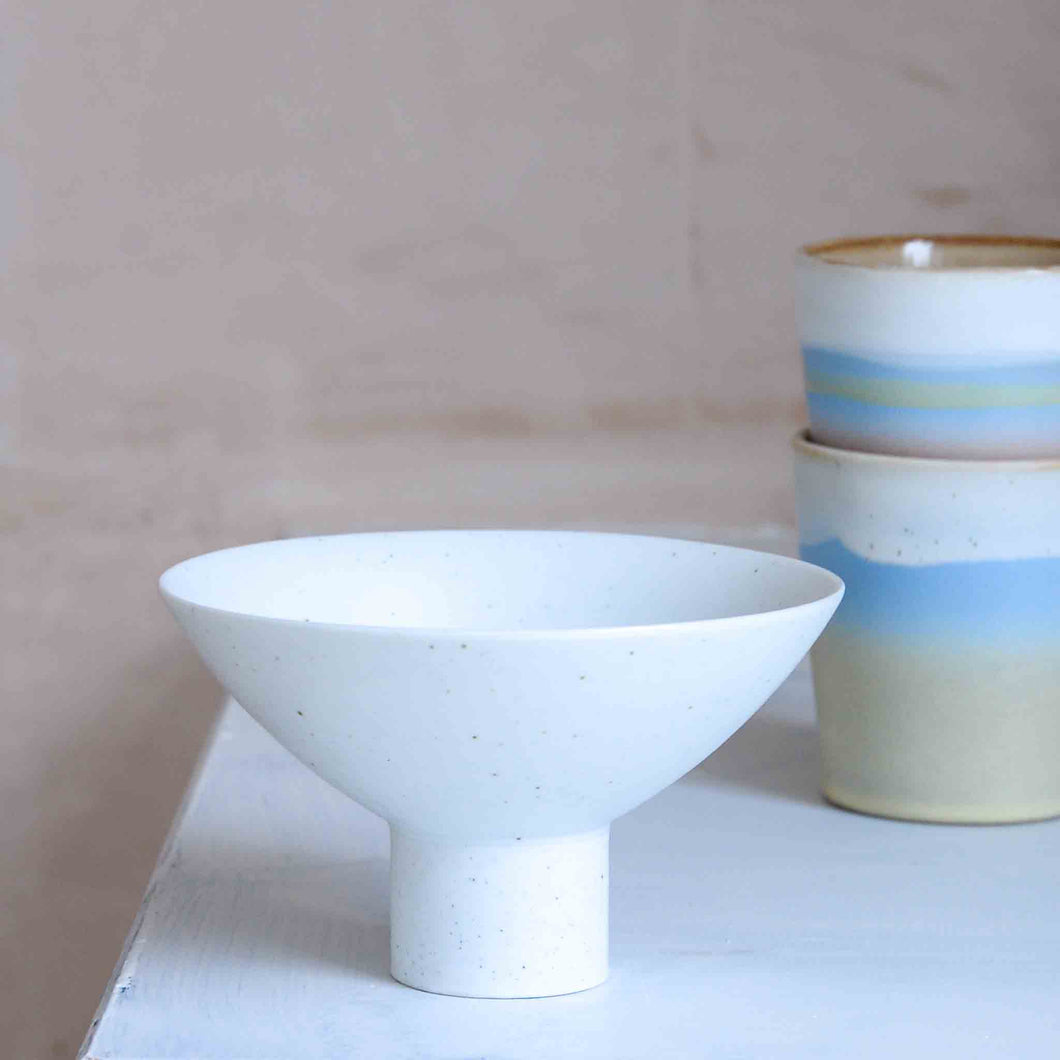 hk living white bowl on stand