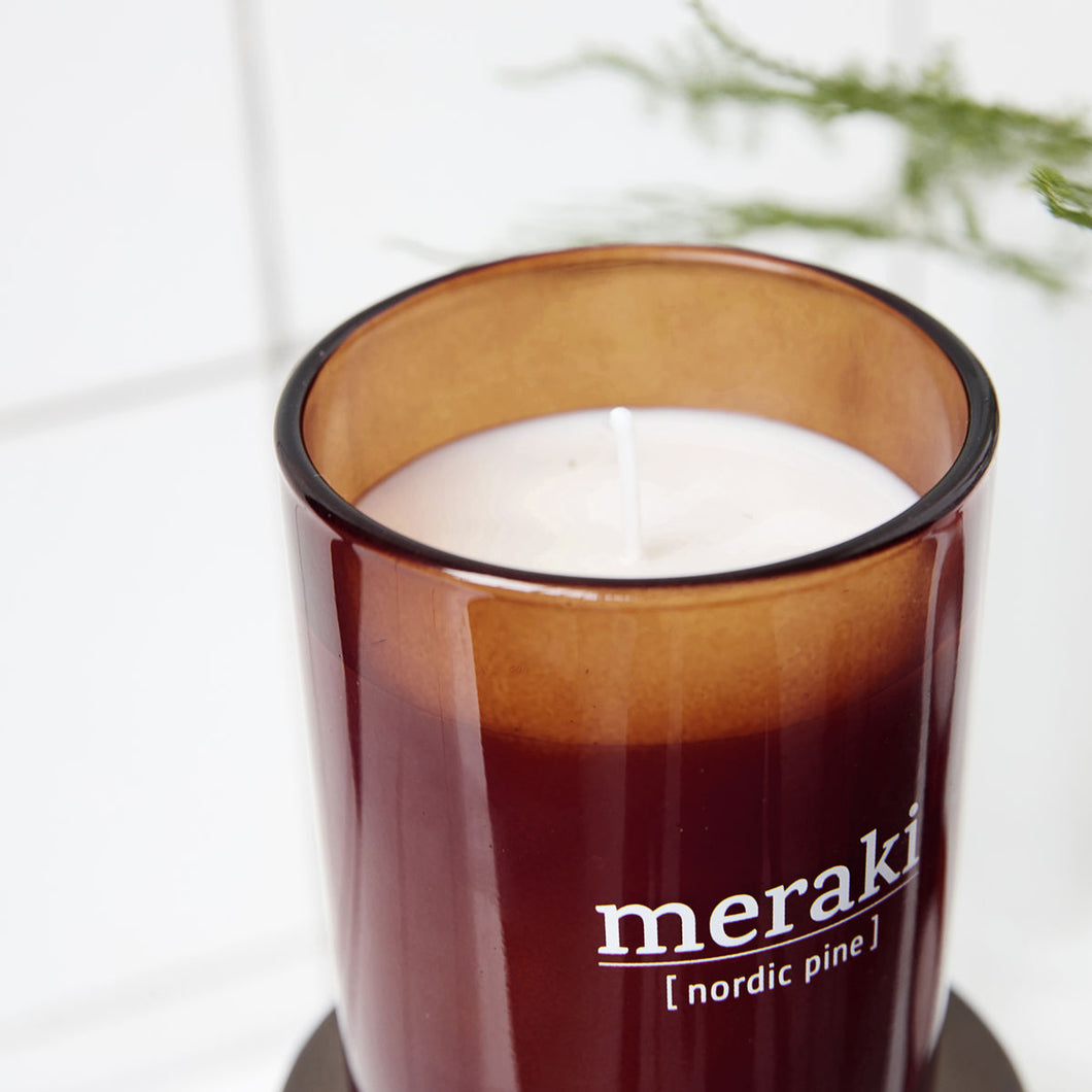 meraki burgandy close up candle fragrance nordic pine