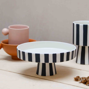 oy oy living-toppu-tray black and white