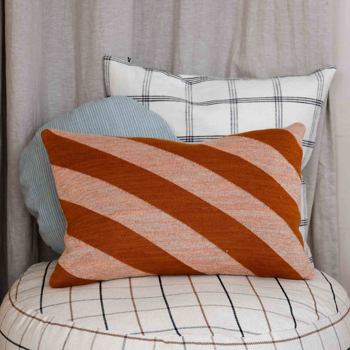 takar-cushion-orange-pink