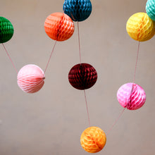 Load image into Gallery viewer, petra-paper-ball-garland