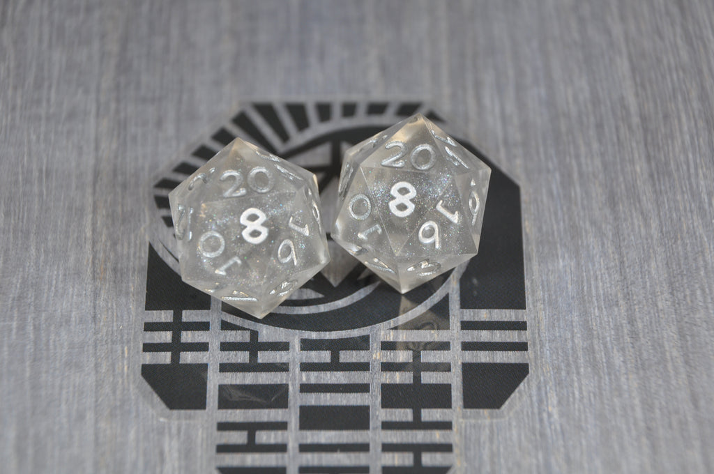 D20 Light Silver Lined Storm