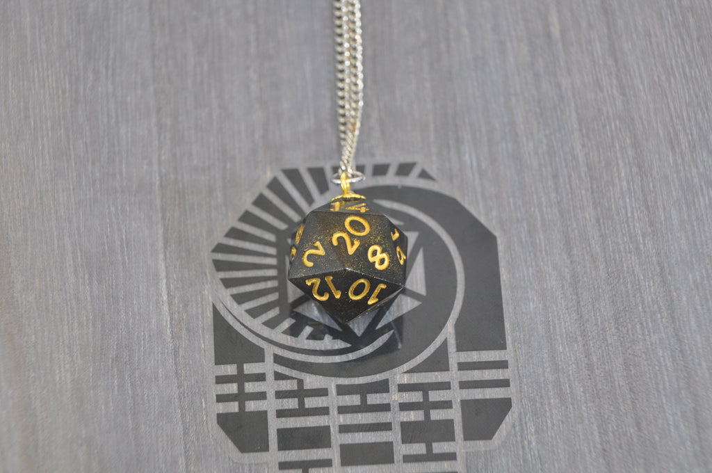 Necklace D20 Gilded Shadow