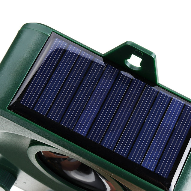 Solar Powered Animal Repeller Outdoor with LED Flash Light Ultrasonic Dog Rats Repellent Mice Motion Sensor Deterrent Device