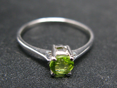 Cute Natural Gemmy Faceted Peridot Olivine Rhodium Plated Sterling Silver Ring - Size 8.5