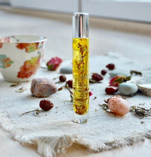 Image of floral Roll-On Essence