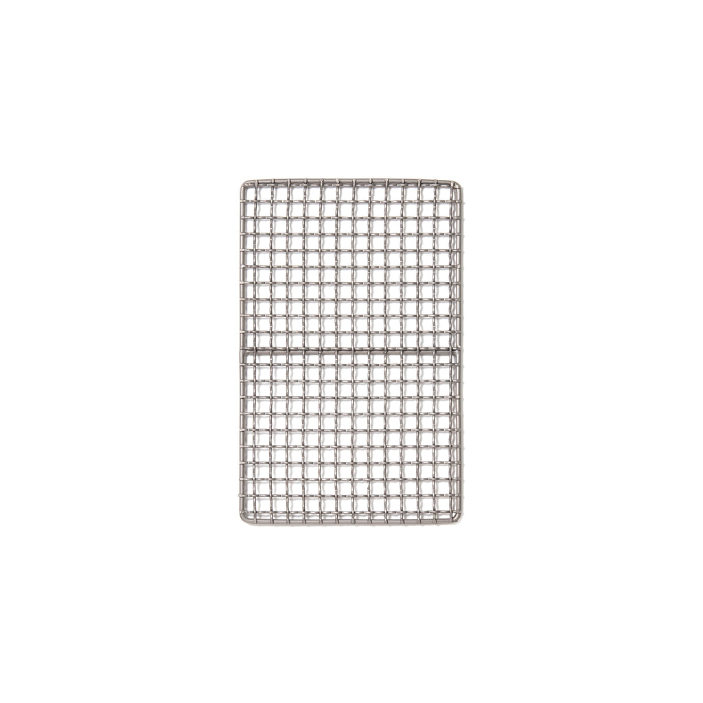 Fore ultralight work-life tools: Titanium mesh for barbecuing