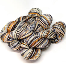 Load image into Gallery viewer, Heirloom Pumpkin - 10 Stripe Self Striping, Ready To Ship